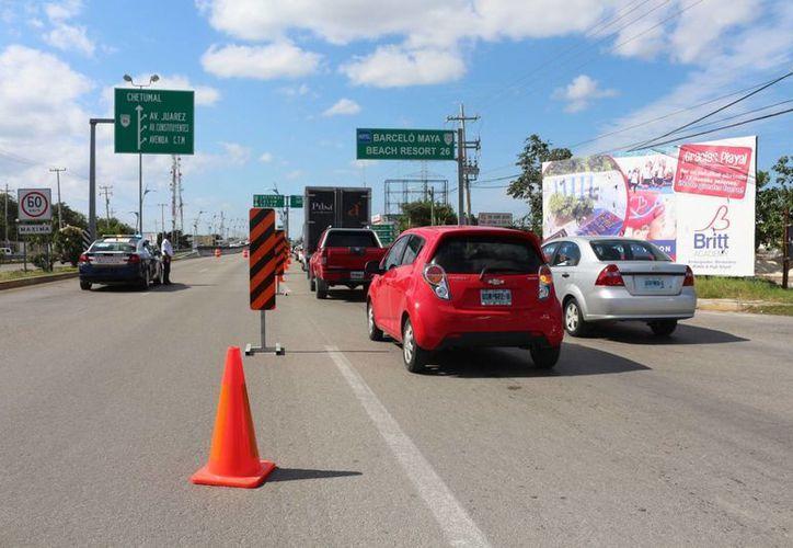 Actualmente la red carretera del estado está compuesta por mil kilómetros de carácter federal, y 4 mil del orden estatal y rural. (Adrián Barreto/SIPSE)
