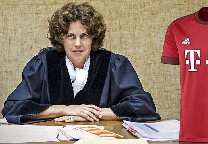 Una juez alemana propuso a los agresores de un sujeto comprarle un jersey del Bayern Munich, para que su sanción sea reducida. (www.bild.de)