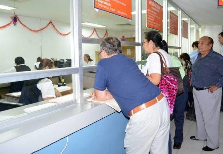 En Yucatán son 17 mil 600 los jubilados y pensionados del Issste. (Archivo/SIPSE)