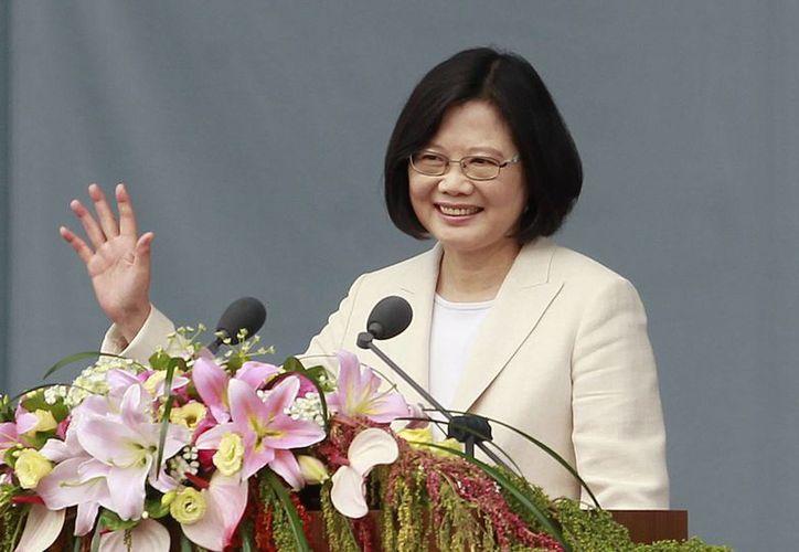 Tsai Ing-wen, la primera presidenta de Taiwán, al dar su discuros durante la ceremonia de su toma de posesión en Taipei. (Agencias)
