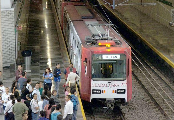Además de la compra de 45 trenes, la SCT también quiere adquirir un sistema de radiocomunicación valuado en 40 mil euros. (elpulsoedomex.com.mx)