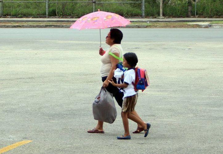 Los pronósticos indican que continuarán las lluvias en la Península de Yucatán. (José Acosta/SIPSE)