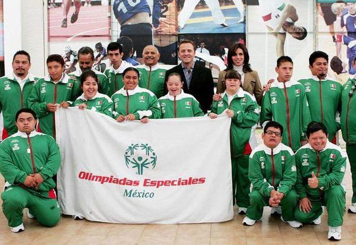 Selección yucateca que compitió en el V Torneo de Powerlifting desarrollado en la Ciudad de México. (Milenio Novedades)