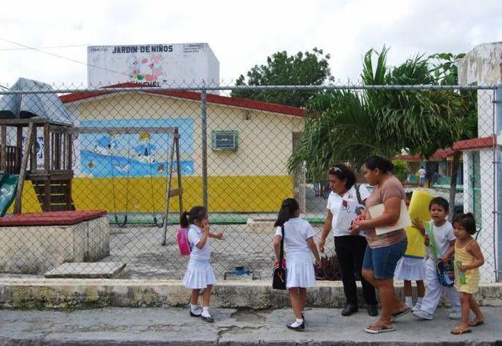 Emilio Chuayffet: a los estados que no cumplan en torno a la Reforma Educativa se les deberá fincar algún tipo de responsabilidad, tanto política como administrativa. (SIPSE/Foto de contexto)