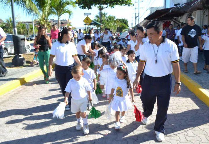 Se espera una alta participación de estudiantes en el desfile, que se llevará a cabo el próximo jueves, a las 8 de la mañana. (Rossy López/SIPSE)