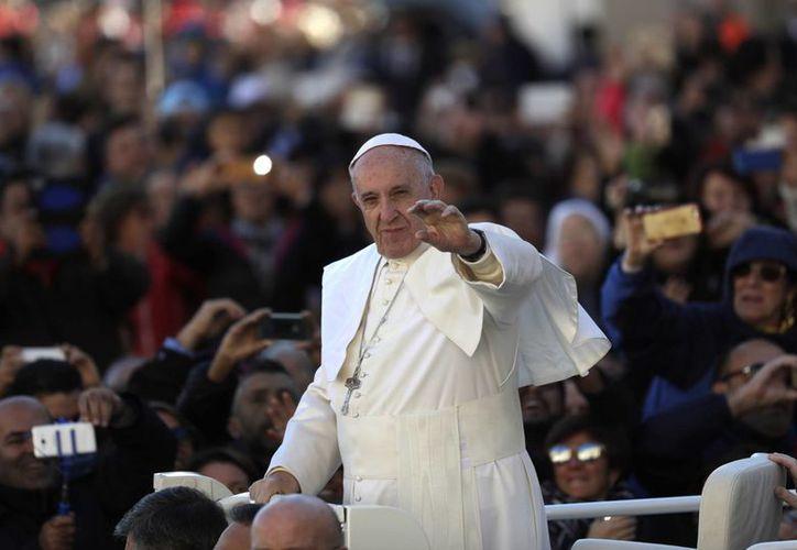 El Papa Francisco ha criticado en múltiples ocasiones las situaciones que viven muchas mujeres en el mundo. (AP/Alessandra Tarantino)
