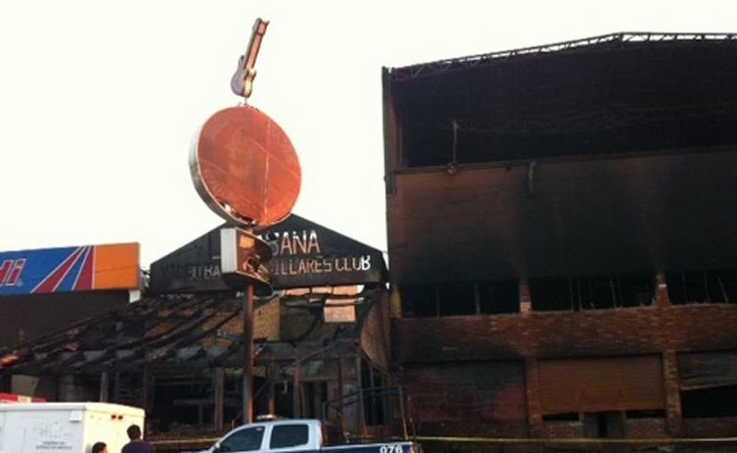 Incendian el bar La Cabaña, ubicado en el municipio de Los Reyes La Paz, en Estado de México. (Milenio)