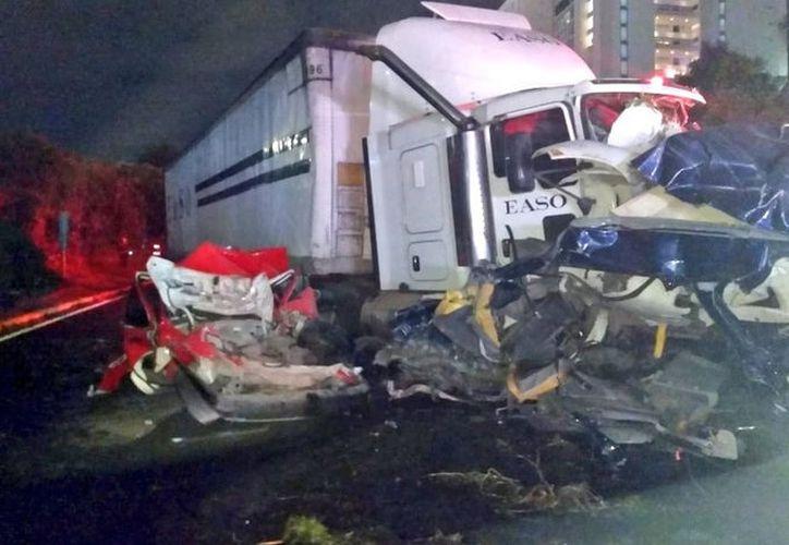 Según reportes preliminares, el exceso de velocidad pudo ser la causa del siniestro. (Televisa News)