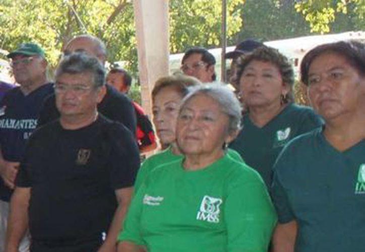 En el Torneo de la Amistad de Cachibol, Campeche estará presente con dos equipos y Quintana Roo con uno. (Milenio Novedades)