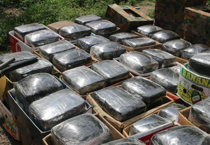La droga incautada estaba en 72 paquetes: pesaron unos mil 500 kilogramos. La imagen cumple funciones estrictamente referenciales. (Archivo/Notimex)