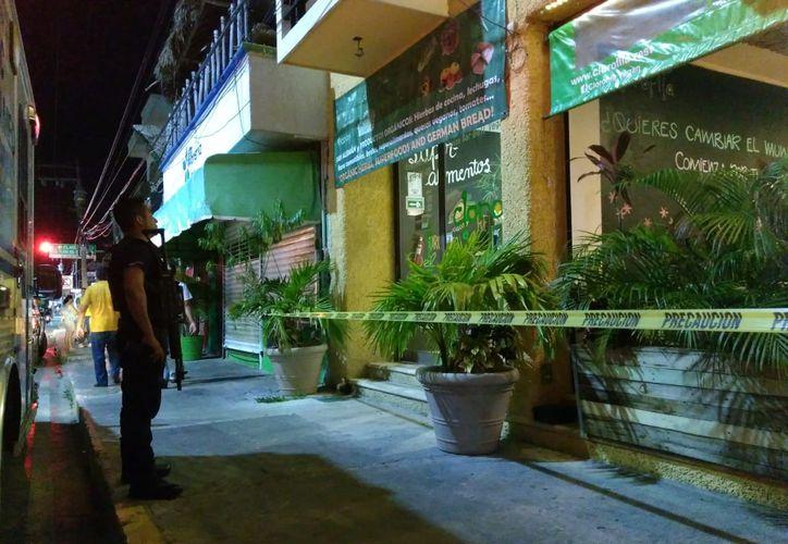 La mujer salió del lugar para pedir ayuda a los cuerpos policíacos. (Redacción)