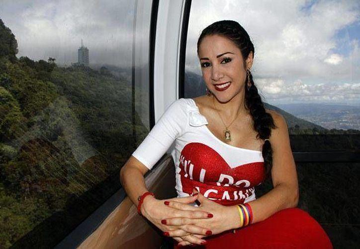La modelo es una apasionada del béisbol y sobre todo de los equipos con mote de Tigres. (Foto de Contexto/maracaibomia.com)