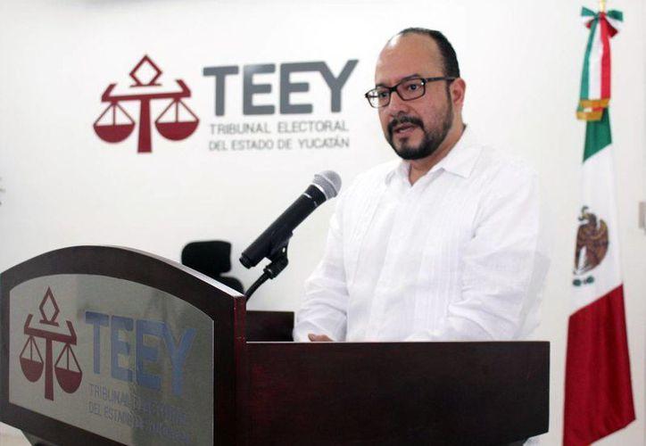 Adín Antonio de León Gálvez, presidente del Tribunal Electoral del Poder Judicial de la Federación, presidió el curso de Derecho Electoral en Yucatán. (Milenio Novedades)