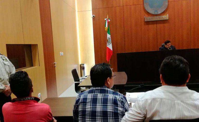 El hombre detenido por el asesinato de una mujer en Plaza Fiesta fue acusado de feminicidio, en la audiencia celebrada la tarde de este lunes. (Luis Fuente/SIPSE)