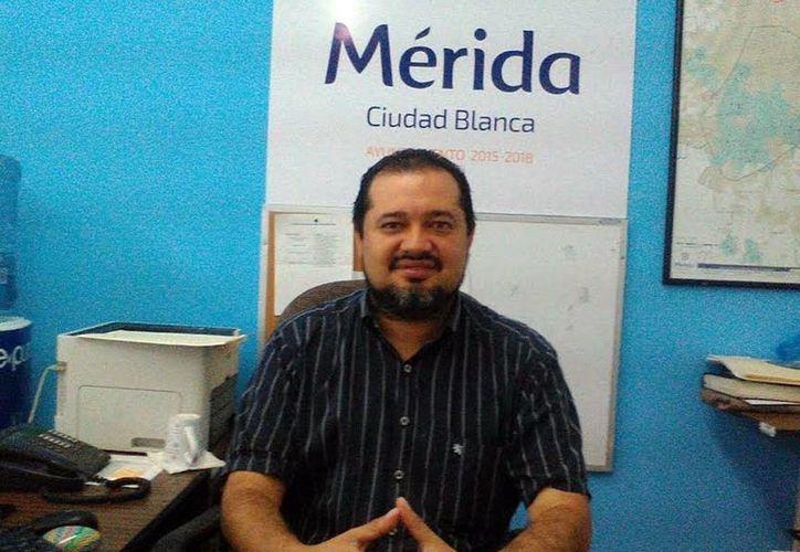 Antonio Peraza Valdez, subdirector de Salud del Ayuntamiento de Mérida, confirmó que el plan 'Médico a Domicilio' ya tiene dos equipos. (Milenio Novedades)