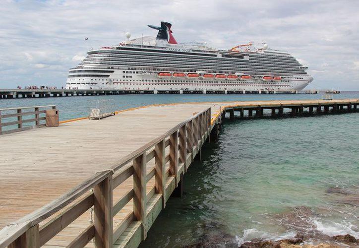 Para la próxima semana el estimado de turistas de crucero que lleguen a la isla será de casi 55 mil vacacionistas. (Gustavo Villegas/SIPSE)