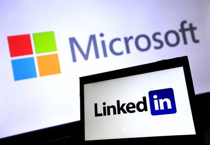 Se espera que la adquisición de LindkedIn por parte de Microsoft se complete antes de que termine el año. (EFE)