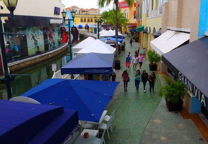 La zona hotelera no se vio afectada, aún cuando se instaló el retén a la entrada del bulevar. (Luis Soto/SIPSE)