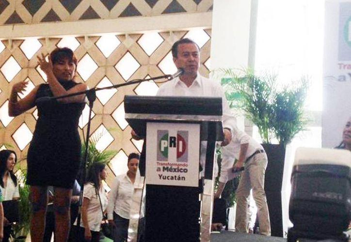 El líder priísta manifestó su respaldo a los candidatos de su partido en Yucatán. (@ONMPRIYucatan)