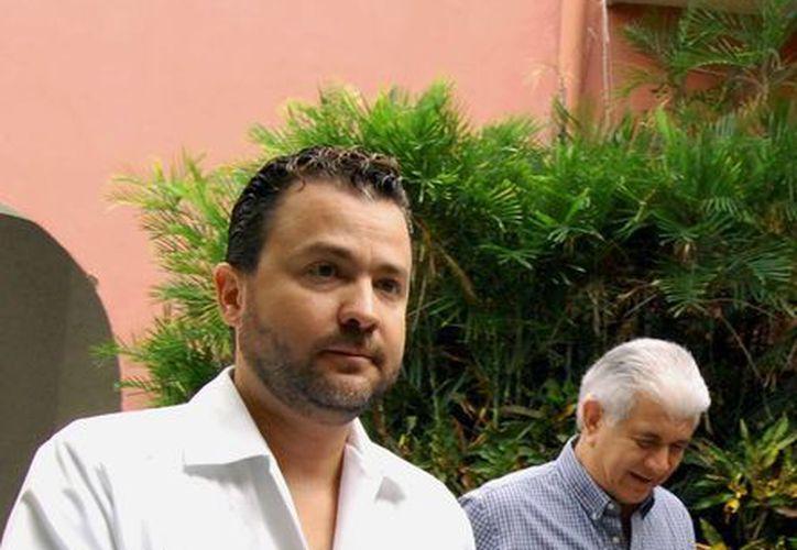 Benigno Villarreal del Río, director de Vive Energía, y David Alpizar, secretario de Fomento Económico. (Wilbert Argüelles/SIPSE)