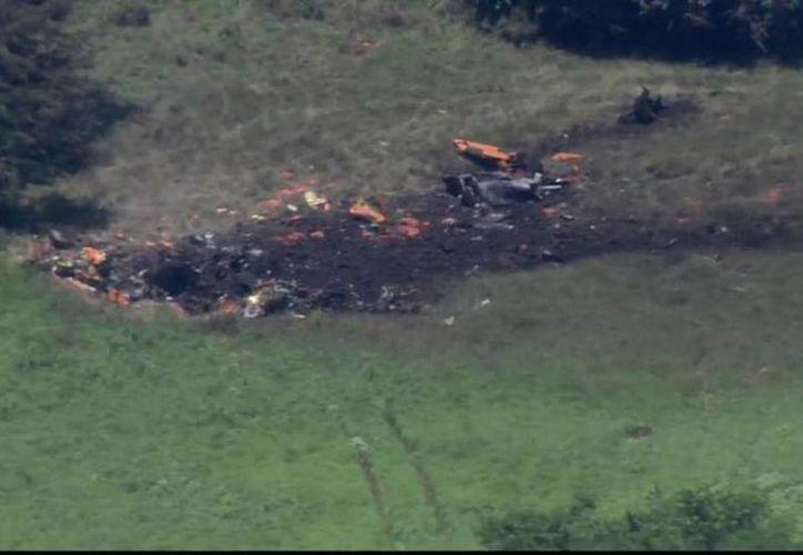 Algunas partes del helicóptero fueron halladas a cientos de metros de donde ocurrió el accidente. (star-telegram.com)
