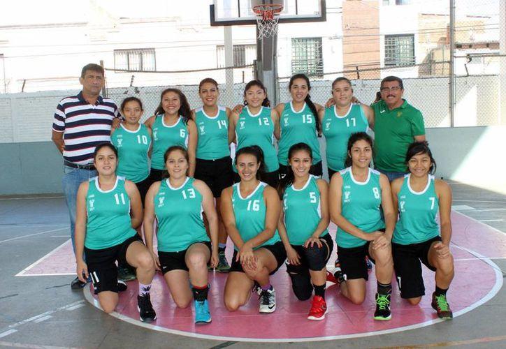 Imagen uno de los equipos que representa a Yucatán en el Encuentro Nacional Deportivo Indígena 2016. (Milenio Novedades)