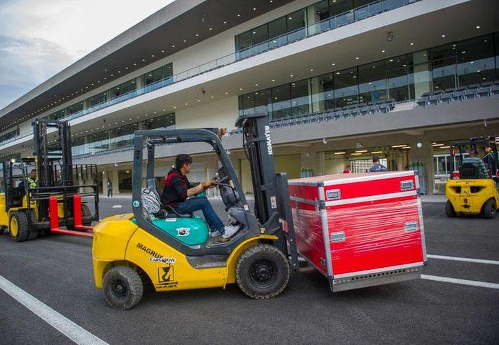 El piloto español Fernando Alonso dice que el autódromo Hermanos Rodríguez no es el óptimo para la escudería McLaren, a la que pertenece. La imagen corresponde al equipamiento del autódromo que fue remodelado para el GP de México. (ahr.mx)
