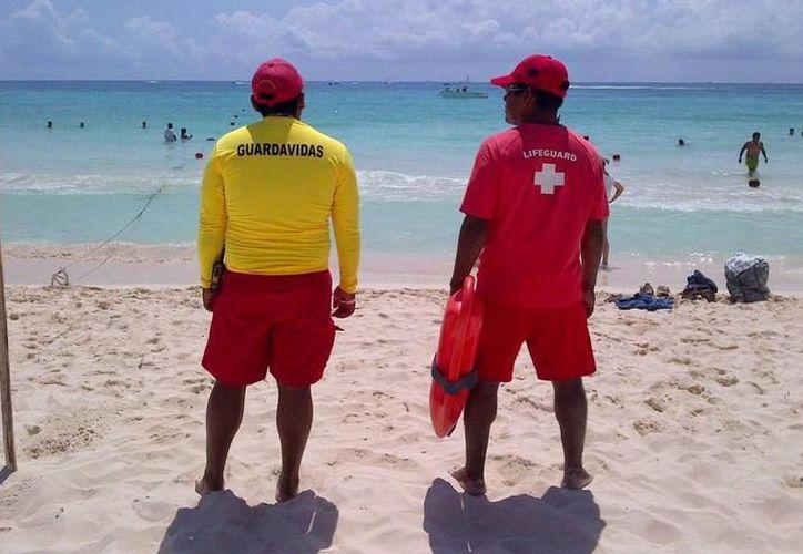 El último punto donde el ayuntamiento comenzó con la vigilancia de bañistas fue en la playa de Xcalacoco. (Archivo/ SIPSE)