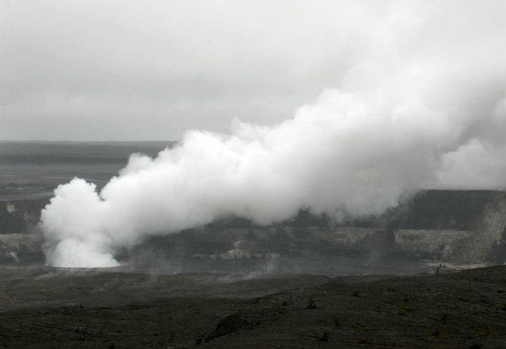 Uno de los efectos mayores es que los vientos no son lo suficientemente fuertes para alejar el humo volcánico. (Agencias)