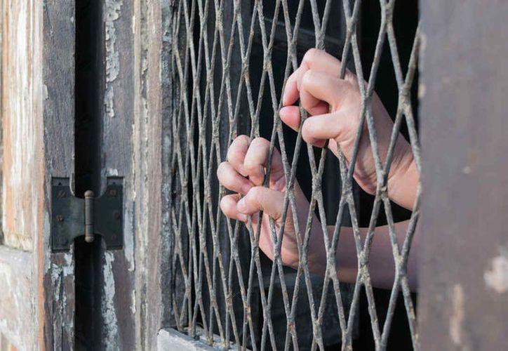 Las ocho personas son penalmente responsables de delitos contra la salud, por posesión de metanfetaminas. (Foto: Contexto)
