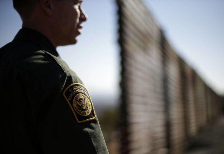 La Patrulla Fronteriza ha capturado a siete vigilantes del narco mexicano; viven en zonas remotas del desierto con grandes cantidades de provisiones. (Archivo/AP)