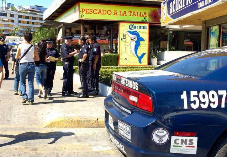 La Policía Federal y la Gendarmería han sido desplegadas en unas 80 colonias del puerto de Acapulco. (Notimex)