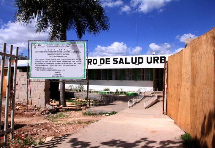 Actualmente se hacen trabajos en el Centro de Salud del centro para habilitar el área de urgencias. (José Acosta/SIPSE)