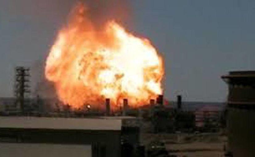 La explosión en una planta de gas en Santo Domingo destruyó varias viviendas y dejó un número indeterminado de heridos. (squalck.com)