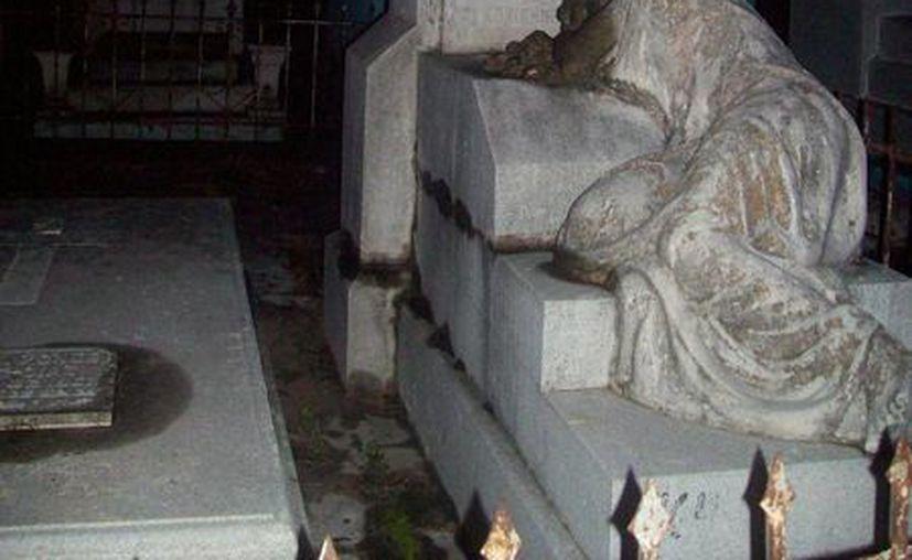 El Cementerio General de Mérida es considerado el más arquitectónico de Yucatán por los diseños de sus tumbas y mausoleos. (Jorge Moreno/SIPSE)