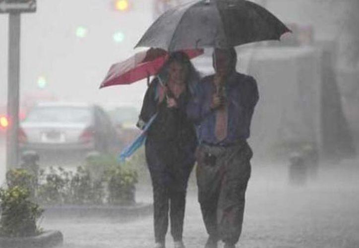El Sistema Meteorológico Nacional (SMN) pronosticó para las próximas horas tormentas muy fuertes y cortas, así como descargas eléctricas. (Contexto/Internet)