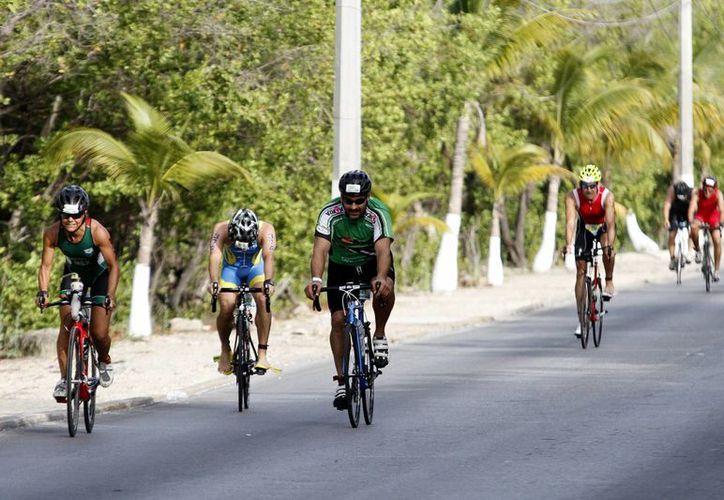 En este destino se realizan diferentes actividades deportivas. (Francisco Gálvez/SIPSE)