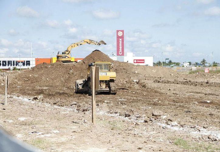 """El Grupo Walmart México iniciará 2015 con la construcción de """"Bodega Aurrera"""", en Chetumal y Suburbia, en Cancún. (Redacción/SIPSE)"""