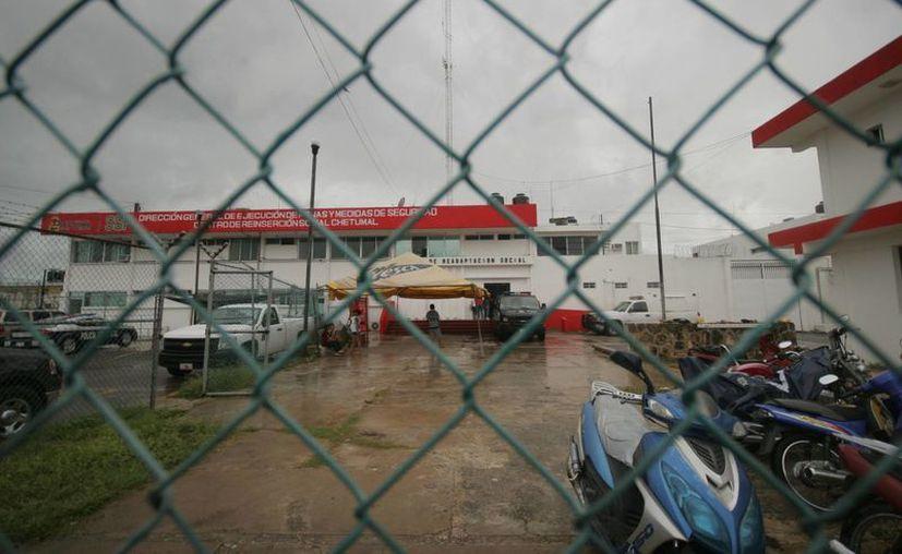 Actualmente, los promotores del Ieeaqroo atienden a 189 internos, divididos en ocho círculos de estudio. (Harold Alcocer/SIPSE)