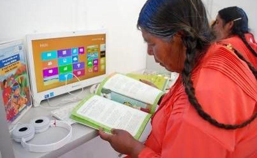 Según cifras proporcionadas por el INEA, el 60 por ciento del total de analfabetas en el país son mujeres (Foto contexto/ Archivo Notimex)