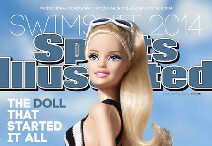La Barbie, con 55 años de antigüedad, engalana la portada de Sports Illustrated, cinco años más joven que ella. (Agencias)