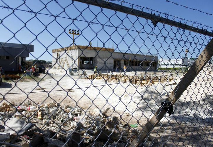 El TUA en tres ocasiones ha determinado que el ejido Chetumal es el legítimo dueño de las tierras que ocupa la terminal aérea de Chetumal. (Juan Palma/SIPSE)