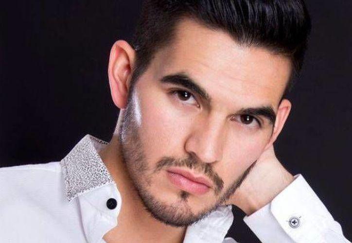 En mayo pasado, el joven histrión Adán Aguilar fue apuñalado al resistirse a un asalto en la Ciudad de México. (Imagen tomada de .debate.com)