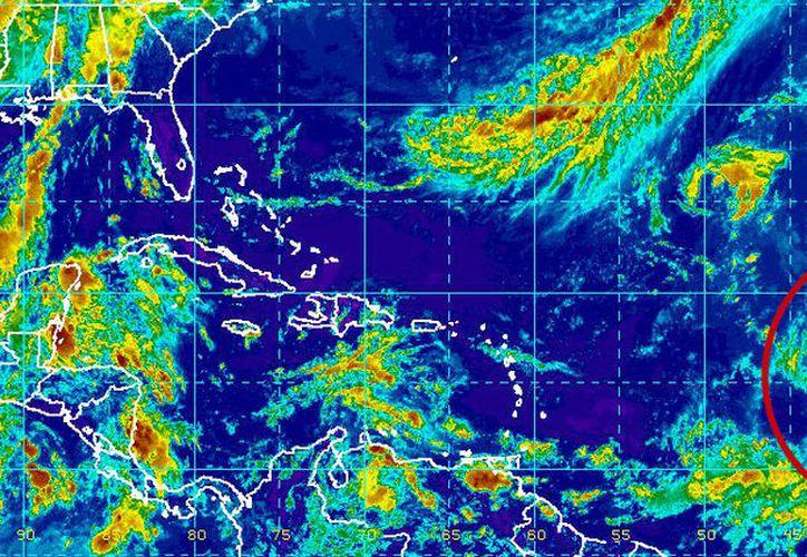 Irma ya es huracán de categoría 2. (Noaa)