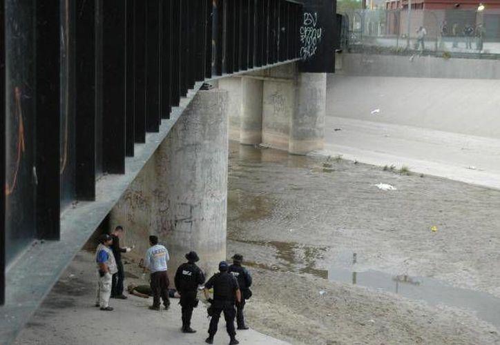 """El joven fue baleado justo debajo del """"Puente Negro"""" que divide la frontera entre México y Estados Unidos. (Archivo/SIPSE)"""