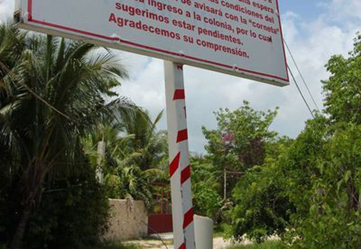 Los habitantes de la colonia Las Fincas ahora deben salir con varias horas de anticipación para llegar a tiempo a sus destinos, porque el camión asignado a la zona acortó su ruta.  (Gustavo Villegas/SIPSE)