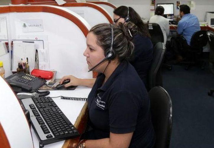 Muchos ciudadanos prefieren usar Mérida Móvil para realizar reportes. (Milenio Novedades)