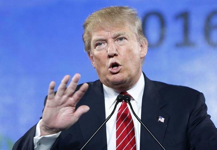 """La inmigración ilegal es un """"gran, gran problema en este país"""" que tiene que resolverse, dijo Trump en Arizona. (AP)"""