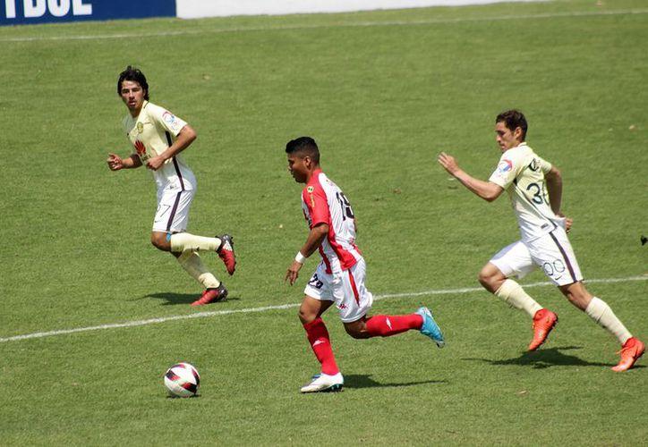 Los jugadores esperan resultados de otros equipos. (Raúl Caballero/SIPSE)