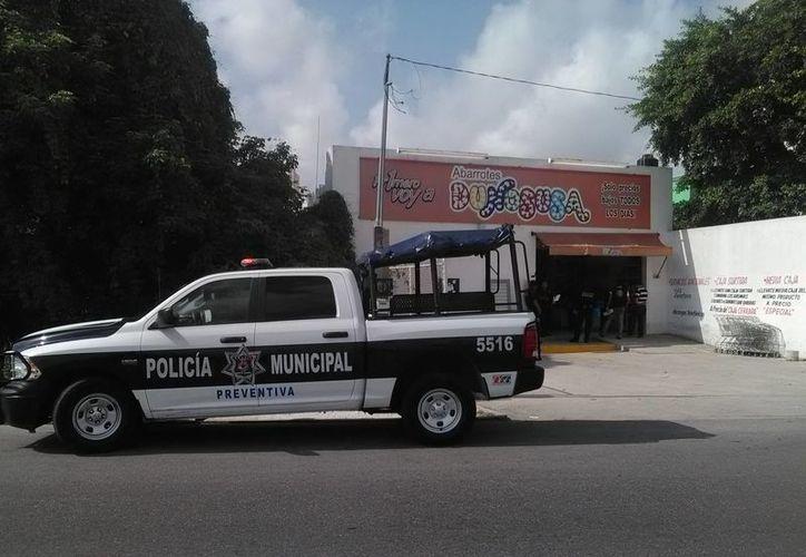 """La tienda """"Dunosusa"""", ubicada en la Región 233, fue asaltada ayer en la mañana. (Pedro Olive/SIPSE)"""